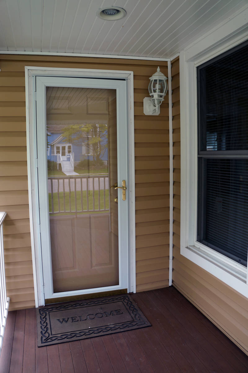 benefits of a storm door